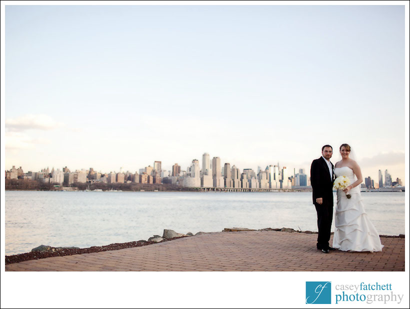 bride and groom view of manhattan new york city