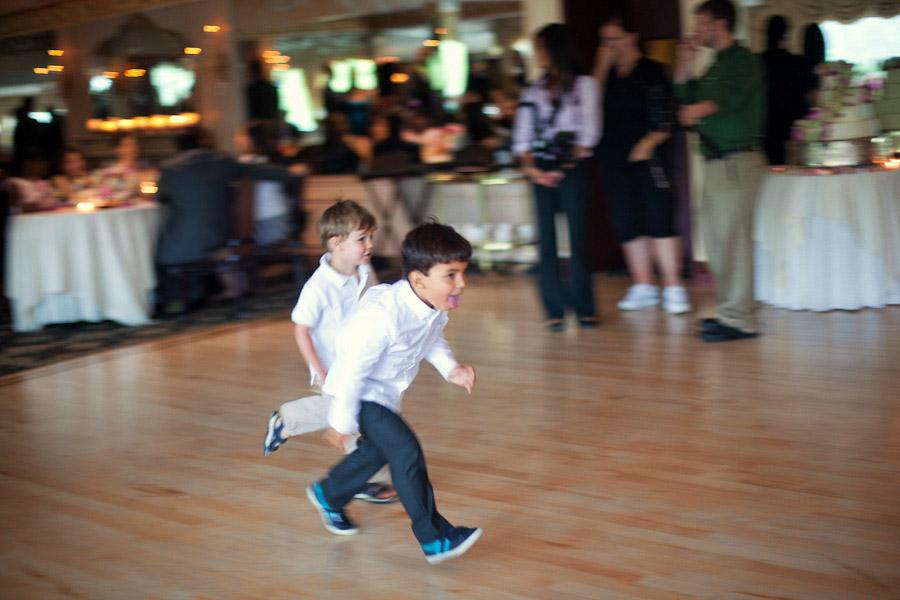 kids running at wedding