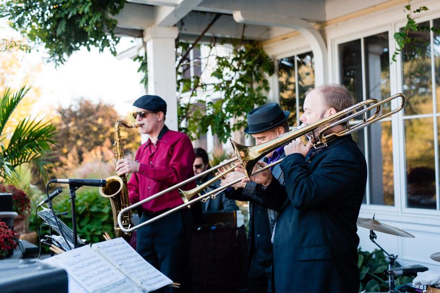 hudson-valley-music-festival-inspired-wedding-44