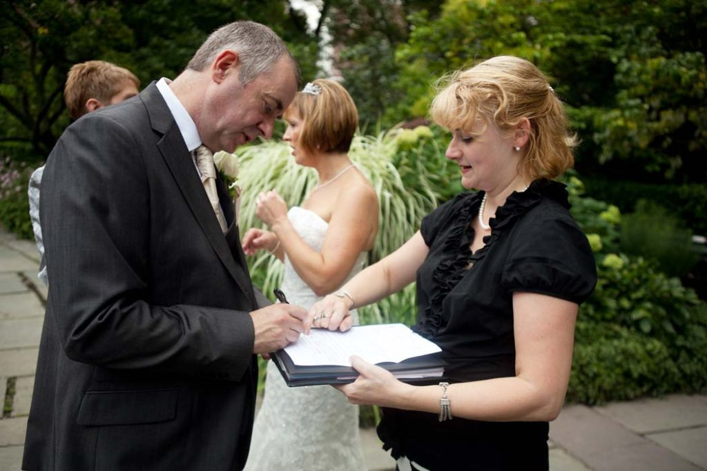 New York City wedding officiant