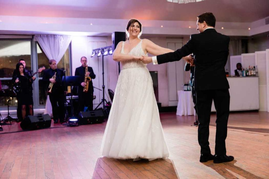 bride and groom dancing manhattan wedding