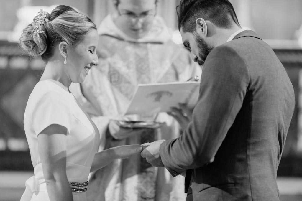 manhattan candid wedding ceremony photos