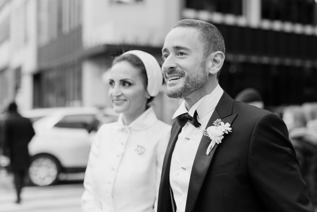 stylish new york city elopement microwedding